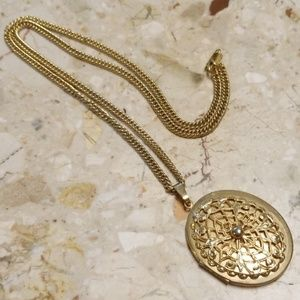 Jewelry - Vintage locket necklace duo